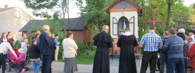 2016.05.21 Poświęcenie kapliczki wKarolinie