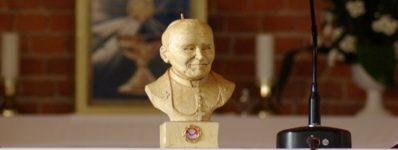 2011.10.16 Wprowadzenie relikwii bł. Jana Pawła II