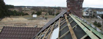 2008.03 dach idrzwi plebania