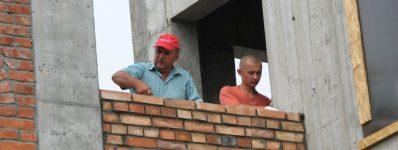 2009.08 mury / prace przy wieży
