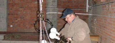 2012.03 oświetlenie naw bocznych w kościele