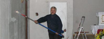 2008.04 wnętrze plebania / filary kościół